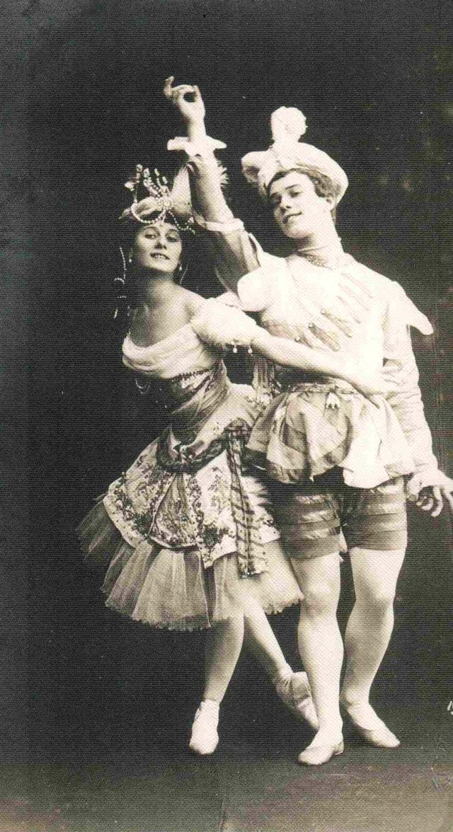 """Анна Павлова и Вацлав Нижинский в балете """"Павильон Армиды"""" 1909"""