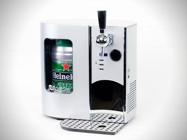 Mini Kegerator Draft Beer Dispenser... Perfect for summer!