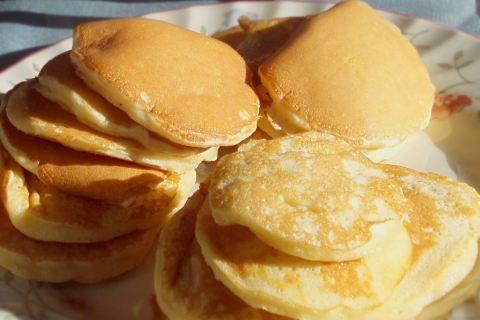 Plaatkoekies (pikelets or Scottish pancakes) | Rainbow Cooking