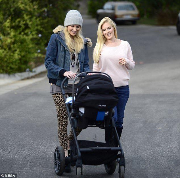 Spencer Pratt's sisterStephanie meets Baby Gunner | Daily Mail Online