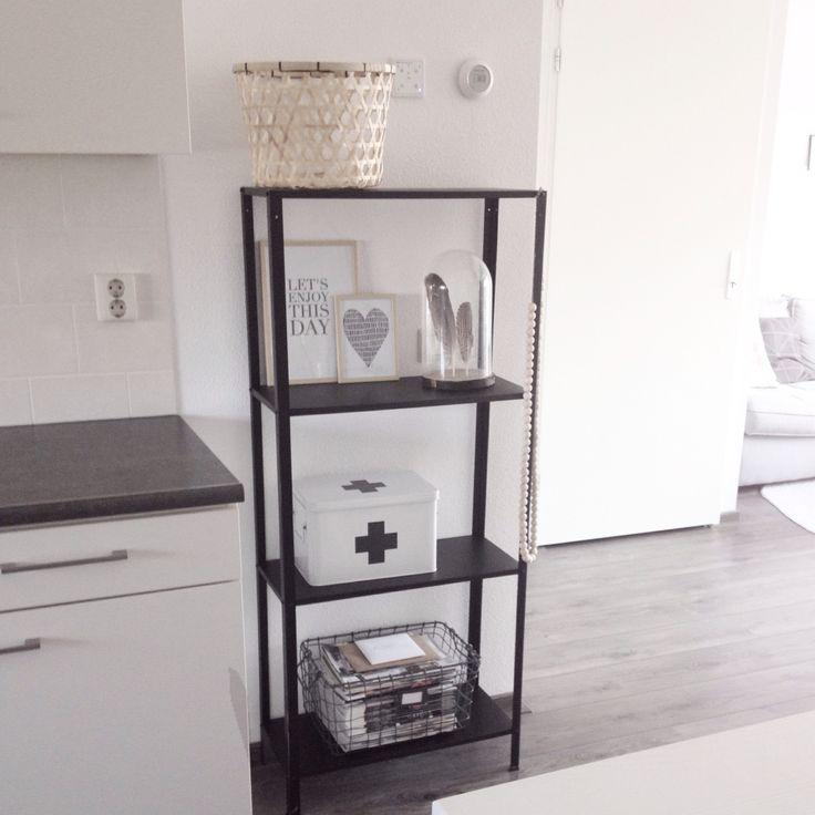 Ikea stellingkast zwart gespoten