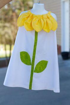No patrón ni tuto, sólo inspiración Sunflower Pillow Case Dress by MakeItYours00 on Etsy