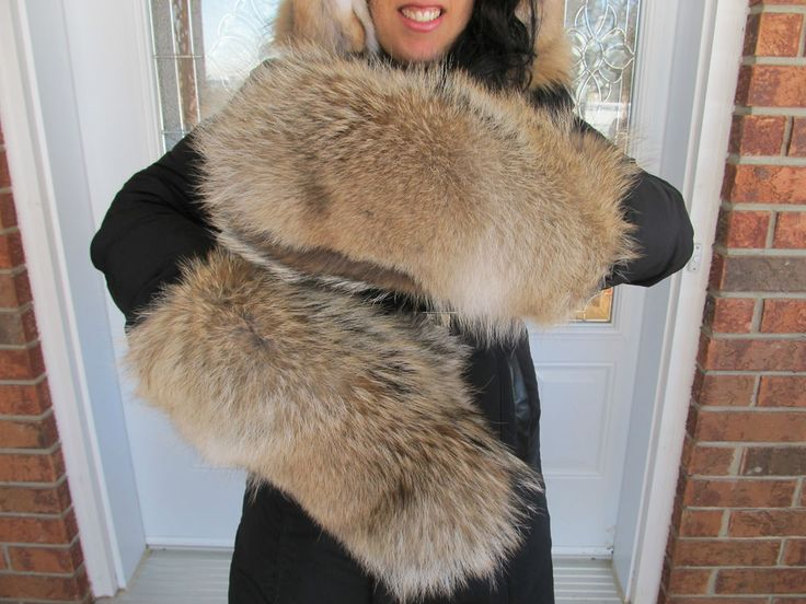Womens large coyote full fur mittens 100% authentic ~NEW TOP QUALITY ITEM~