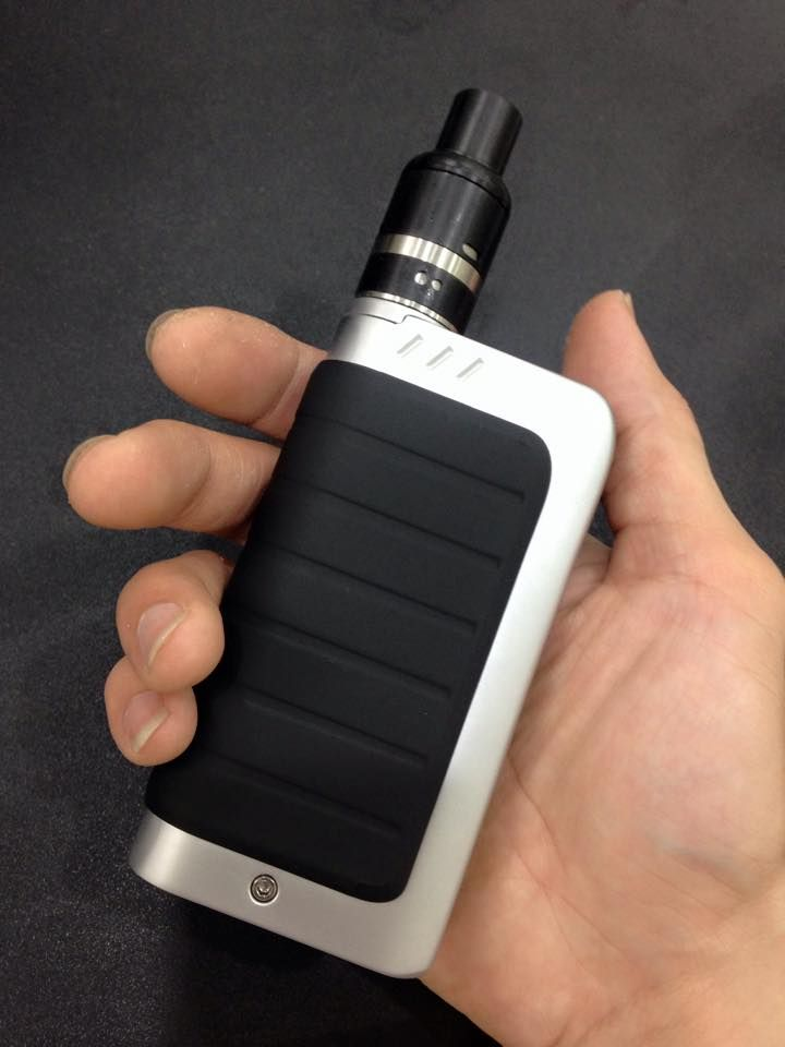 IPV4 100W BOX MOD :58.52 Specification 1. YIHI SX330V3C chip 2. Power range: 5w-100w 3. Resistance: 0.1-3.0ohm 4. output voltage:1.0v-7.5v 5. With dual 18650's 6. Megnetic cover 7. Using 5V/2A charger. 8. Size: 108mm*58mm*26mm ipv 4 Product Contents: 1x IPV 4 body 1x User manual 1x USB cable 1x Gift box