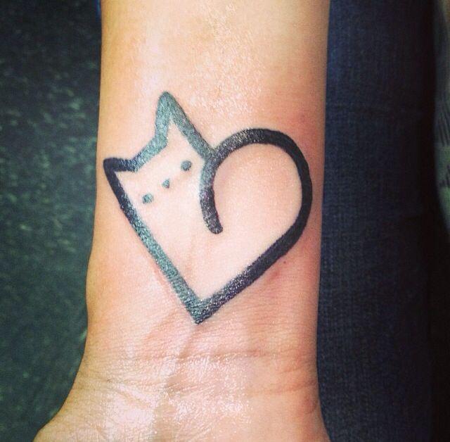 Tattoo design matching cat tattoo cat paw heart tattoo henna ideas