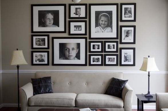 Wall displays using black and white framed images