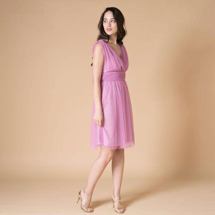 ラズベリーピンクのブライズメイドドレス。甘くなり過ぎないカラーが人気です!  #dresspeople #ドレスピープル  #ブライズメイド #bridesmaid #bridesmaids #パーティードレス http://gelinshop.com/ipost/1520373238856478163/?code=BUZc2fMDO3T