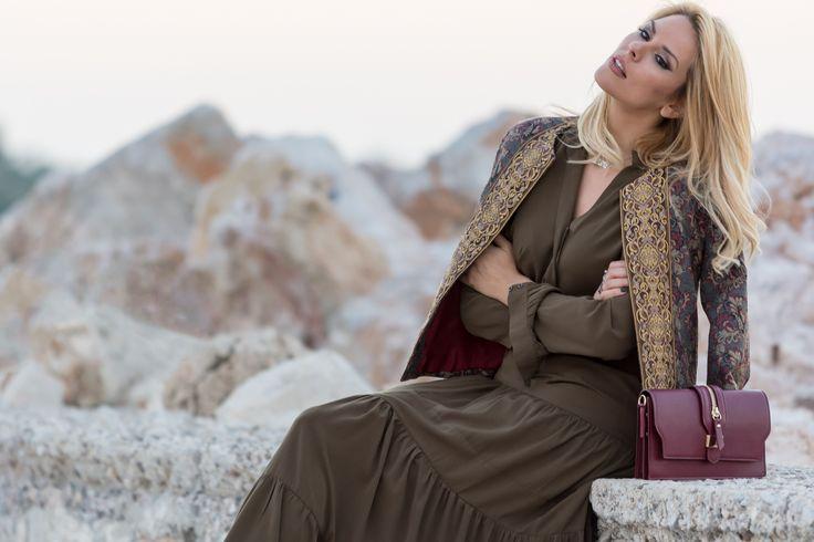 Καλή μας εβδομάδα με θετική σκέψη και πως να μην έχουμε άλλωστε μιας και σε λίγο υποδεχόμαστε τον Δεκέμβριο, τον πιο γιορτινό και χαρούμενο μήνα του χρόνου. To Winter Fashion λοιπόν στο Noupou.gr συνεχίζεται με το Joko Boutique..