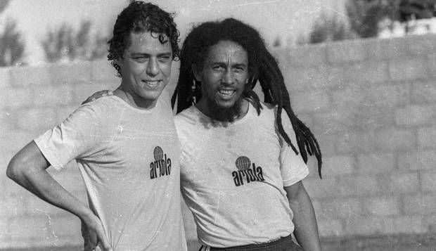 """The Brazilian singer Chico Buarque and Bob Marley at the Polytheama's camp, football team created by """"Chico"""", at Barra da Tijuca district, Rio de Janeiro, RJ, Brasil, March 19 1980. Photo Luiz Pinto, O Globo Agency. Marley: 35 years R.i.P."""