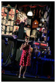 Claudia Grohovaz: L'INQUILINA DEL PIANO DI SOPRA - Al Teatro Golden