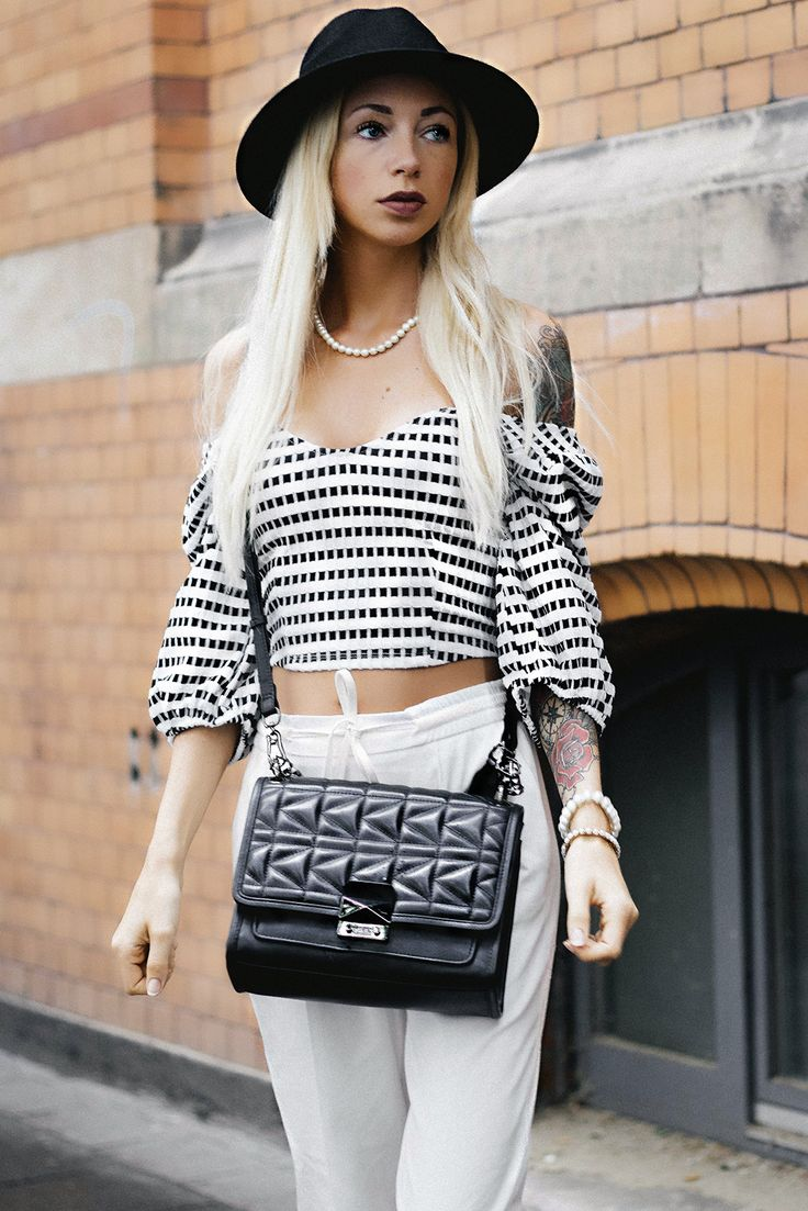 THOUGHTS & OUTFIT: STREETSTYLE WITH OFF SHOULDER BLOUSE & KARL LAGERFELD BAG (SUMMER 2017) http://www.couturedecoeur.com/why-couture-de-coeur-blog/ fashion, trend, fashionblogger, street fashion, mode, modeblogger, outfit of the day, ootd, hat, french, chic, classy, casual, mode für frauen