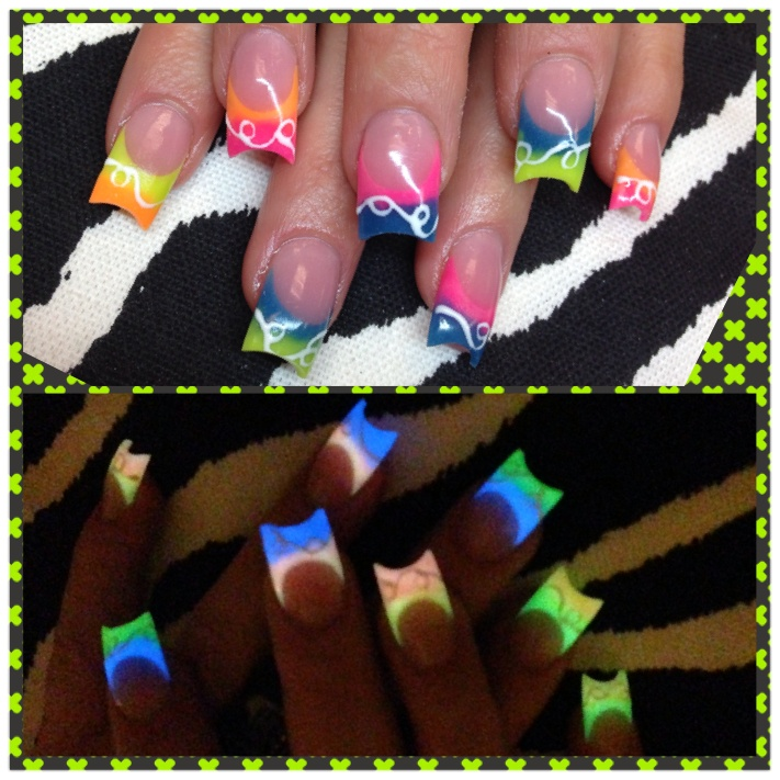 Glow in the dark acrylic nails!