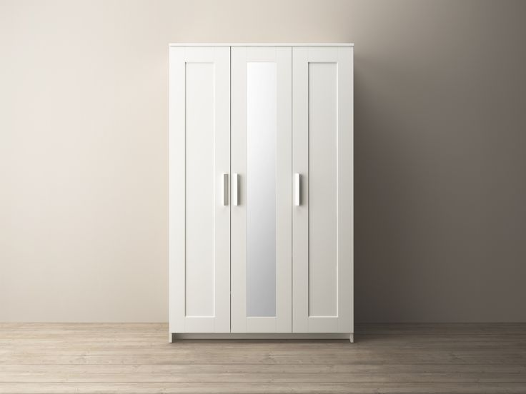 BRIMNES kledingkast met 3 deuren | #IKEAcatalogus #nieuw #2017 #IKEA #IKEAnl #kleding #kast #garderobe #wit #slaapkamer