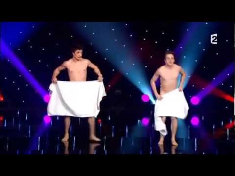 They Walked on Stage with Only Towels for Cover…Their Performance? Hilarious!   {BUZZ} FLARE