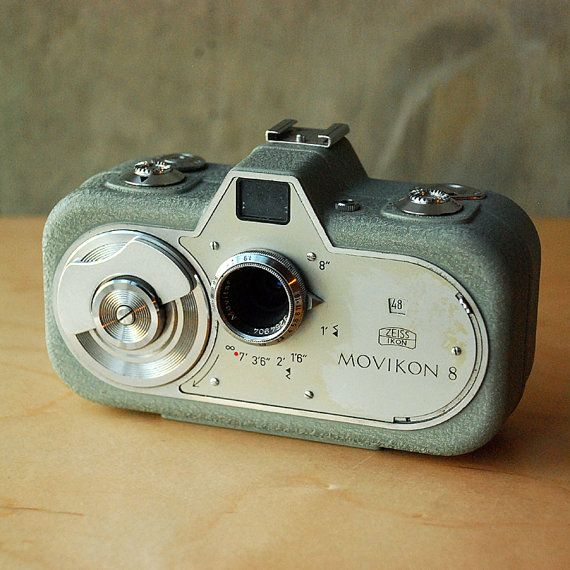 Zeiss Ikon Movikon 8 - 8mm Movie Camera, Leather Case & Accessories Germany.  My mousth is watering!