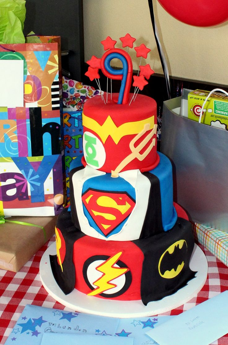 DC Comic Super Hero Cake - Batman, The Flash, Wonderwoman ...