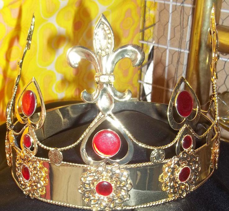 Fleurdelisé & Heart Design Crown