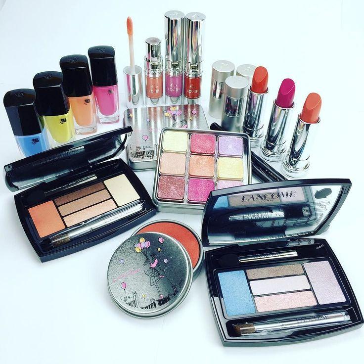 Ecco la collezione @lancomeofficial From Lancome With Love  per la primavera. Il prodotto più desiderato  é la palette con 9 cubetti utili per trucco occhi e viso. VI PIACE QUESTA COLLEZIONE?  sul nostro sito www.beautydea.it potete vedere da vicino tutti i prodotti! #lancome #lancomeitalia #beautydea #trucco #makeup #instalike #instabeauty #instamakeup #instagram #like