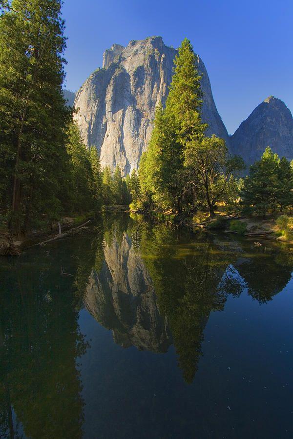 ✯ Cathredal Rocks Reflection - Yosemite National Park
