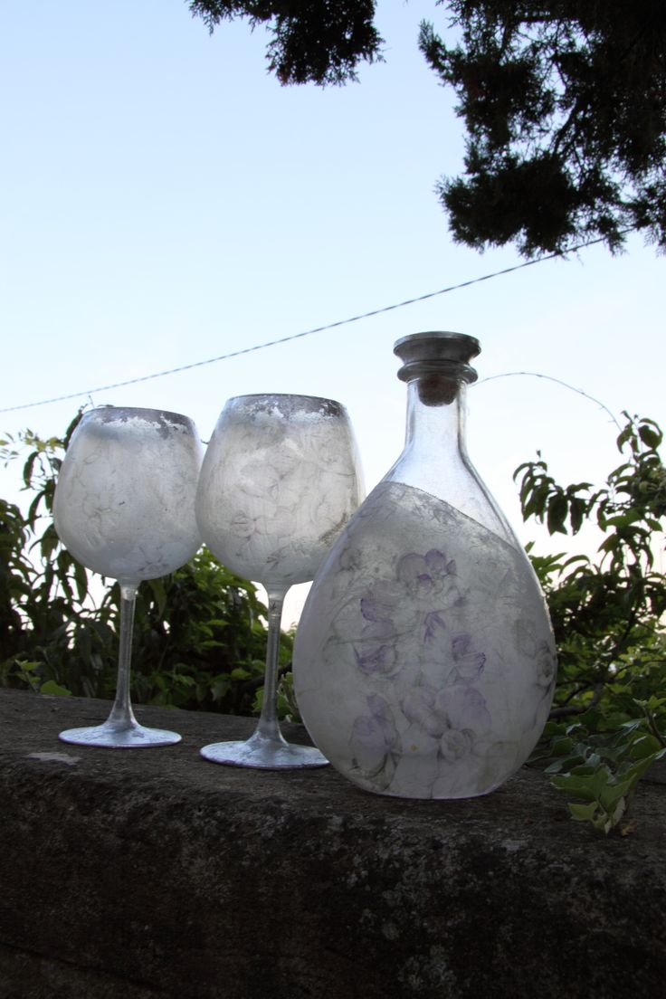 Elegant decoration over glass