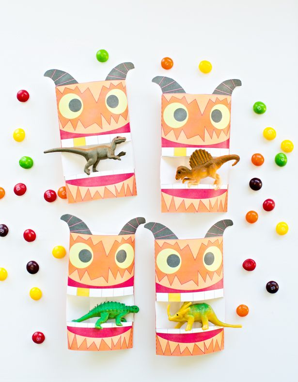 Adorable Free Printable Monster Treat Wraps. These Halloween favors for kids are great for stuffing with your favorite candy or non-candy treats!