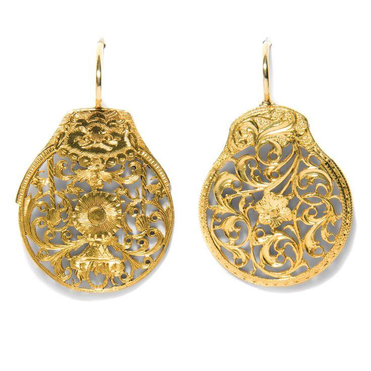Kennen Sie Spindelkloben? - Ohrringe aus Spindelkloben des 18. Jahrhunderts von Hofer Antikschmuck aus Berlin // #hoferantikschmuck #antik #schmuck #Ohrringe #antique #jewellery #jewelry // www.hofer-antikschmuck.de
