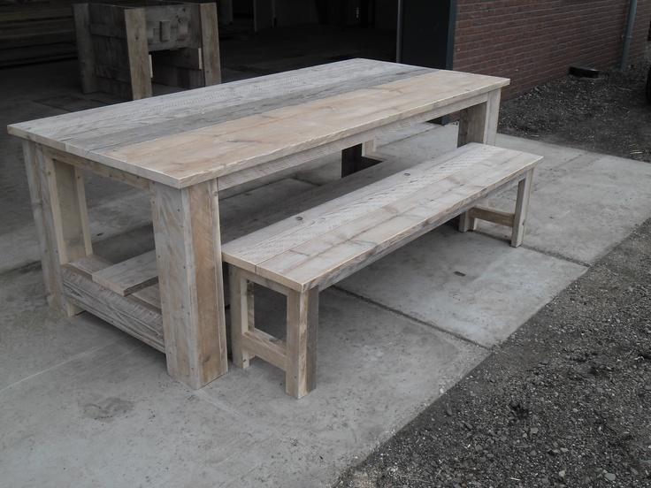 Steigerhout kloostertafel met bankje  Mooie robuuste steigerhout tafel voor binnen of buiten