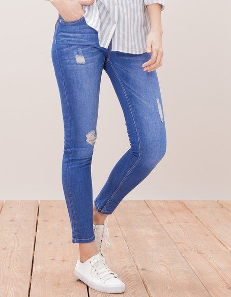 JEANS for woman at Stradivarius online. Visit now and discover the JEANS we have for you | Free returns.