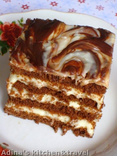 Adina's kitchen & travel: Prajitura cu foi pandispan,crema aromata si ciocolata