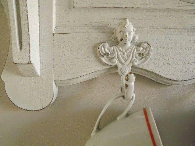 Półka kuchenna biała z aniołami