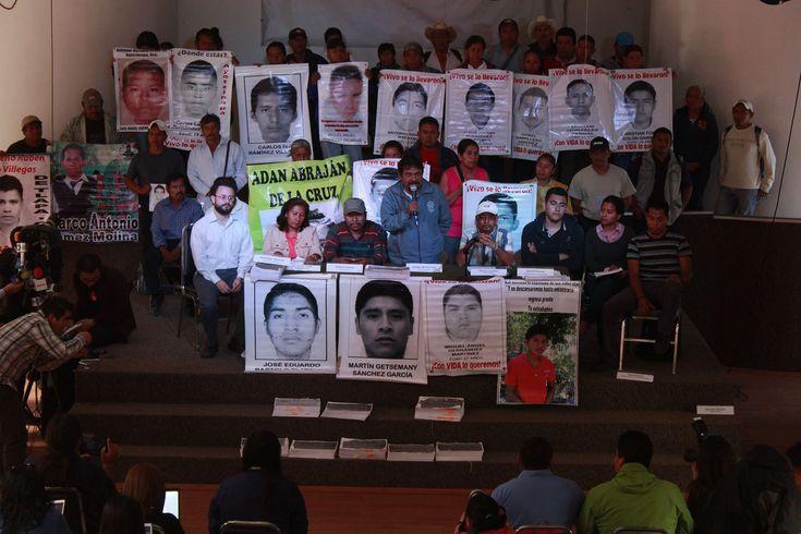 Familias de los 43 normalistas desaparecidos de Ayotzinapa exigen profundizar investigación y respaldan trabajo del Equipo Argentino de Antropología Forense