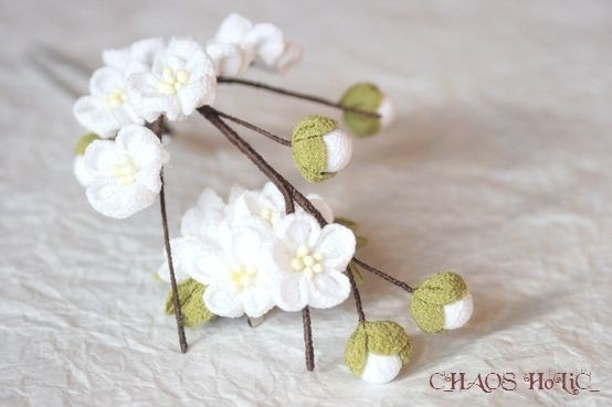 iichi - HandMade in Japan White Japanese Plum Blossoms Tsumami Kanzashi (Hair stick)