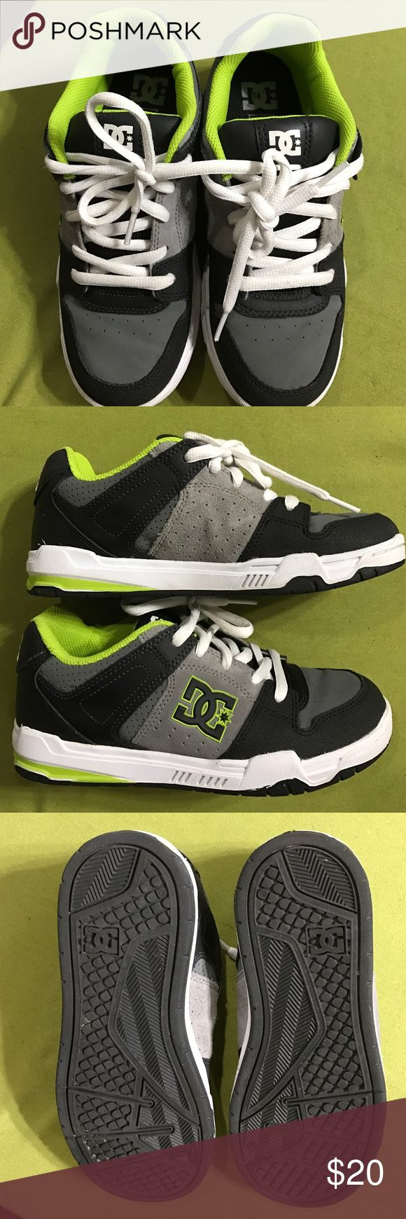 BOYS- DC sneakers BOYS - DC sneakers. Only worn once. Excellent condition 😊 DC Shoes Sneakers