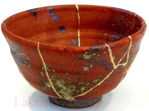 The Flying Tortoise: Kintsugi. The Japanese Method Of Creating Art From Broken Ceramic Objects...