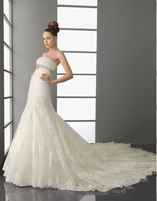 Trumpet/mermaid organza sleeveless bridal gown