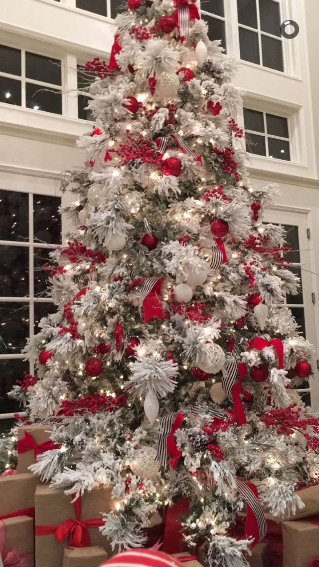 Red And White Christmas Tree White Flocked Christmas Tree Frosted Christmas Tree Flocked Christmas Trees Decorated