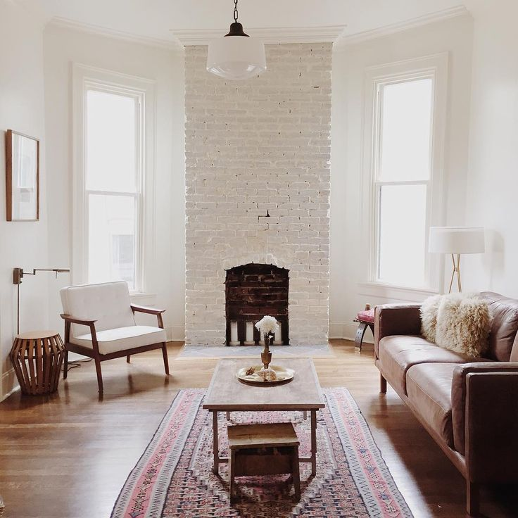 White brick fireplace | via @bleubird | #chasingthelight: