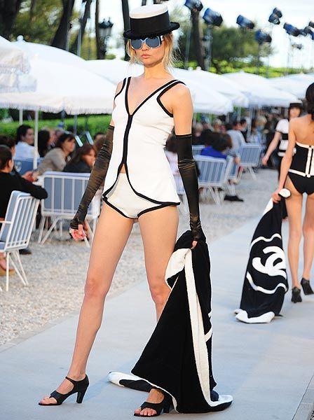 Karl Lagerfeld presenta su colección 'Crucero 2012' para Chanel