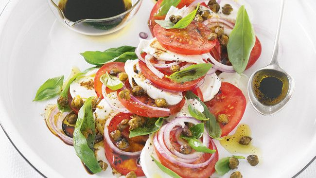 Tomato and mozzarella salad with balsamic dressing