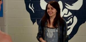 Check out and download latest and high quality images of Mae Whitman in The DUFF Movie - Images, stills, wallpapers, posters, pictures - Apnatimepass.com