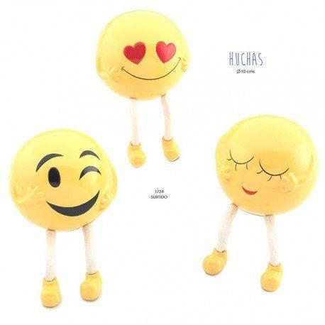 Hucha Emoji realizada en dolomita. Medida: 10 cm diámetro #cumpleaños #regalosbaratoscumpleaños #regalos #regalosinfantilesparaelcolegio #niños #futbol #balon #chuches #huchas #regalosinfantilesboda #regalosparalosniñoscomunion #regalosinfantilesbautizo
