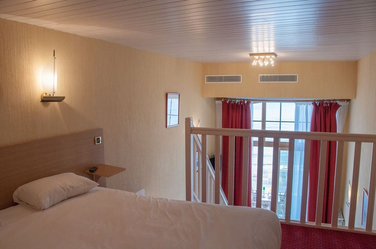 Mezzanine du Duplex 4 personnes vue sur mer. Chambre familiale à Saint-Malo