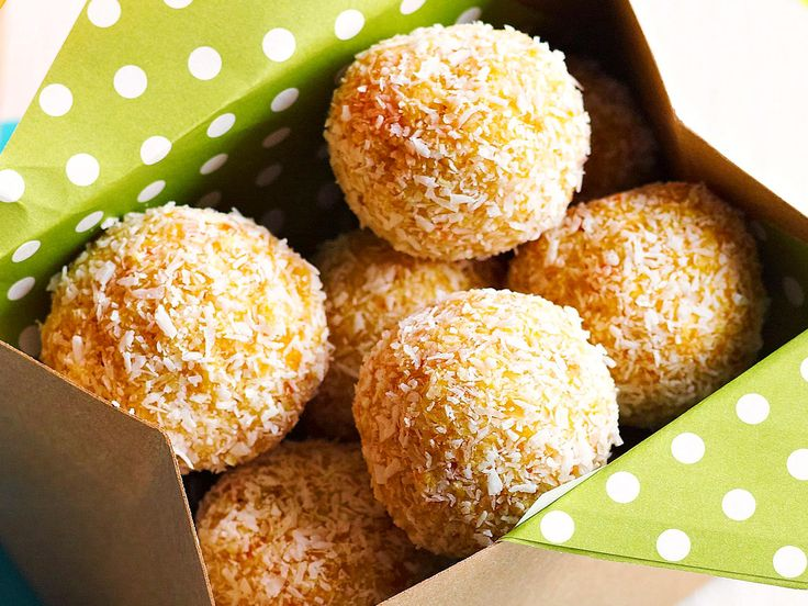 These deliciously sweet apricot balls are easy to make and a perfect lunch box snack or on-the-go energy hit.