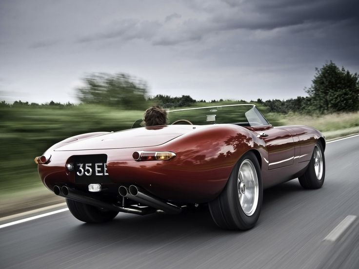 Jaguar E-Type - the most beautiful car in the world. Flawless.