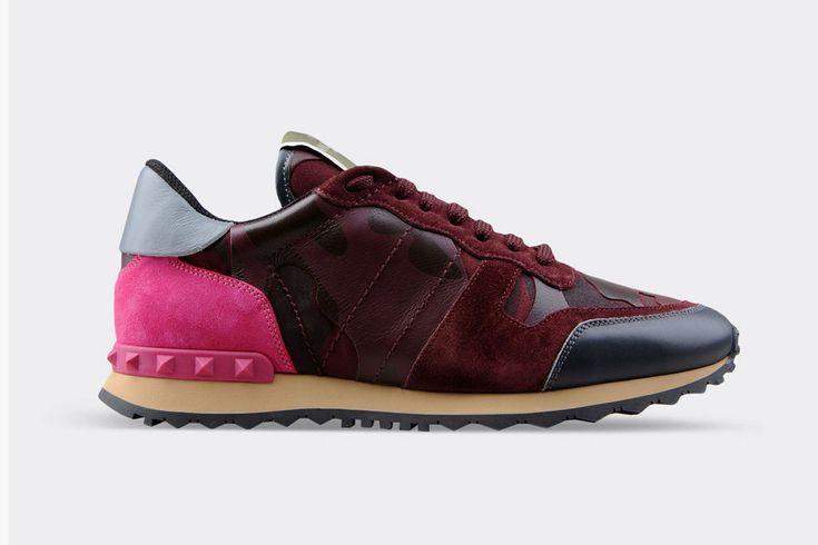 Les sneakers printanières de Valentino s'habillent de tons pop ou sombres, dans un patchwork de couleurs ou imprimé camo. #Valentino