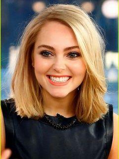 Elegant Short Straight Blonde 100% Human Hair Monofilament Top Wig 12 Inches     Original Price: $1,055.00 Latest Price: $207.29