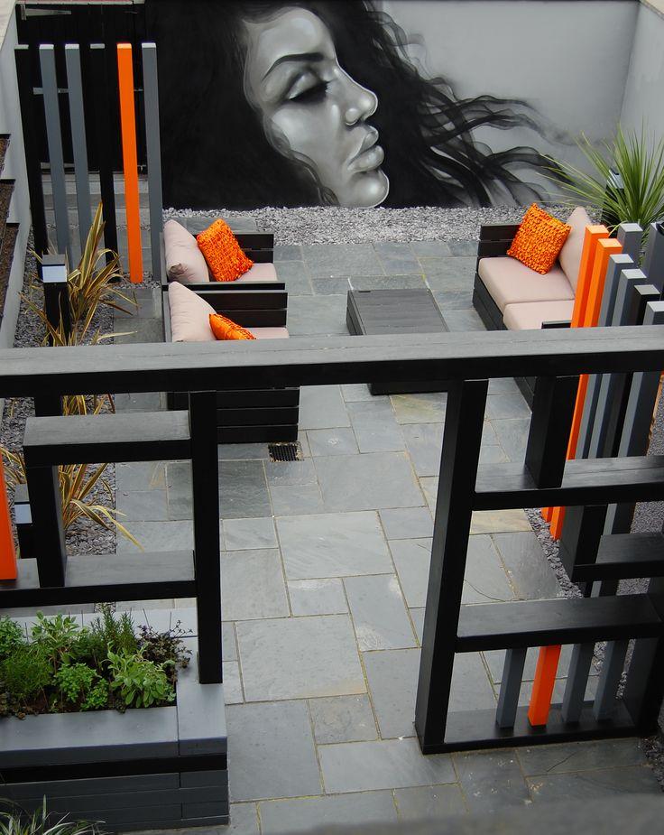 minimalist street art garden by robert hughes garden design cheshire