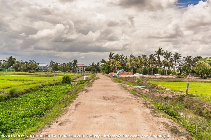 This is a beautiful village between krong Siem Reap and Phnom Krom. It has beautiful views of agricultural lands and the people there still lives in traditional houses. If you're ever visiting Siem Reap - Cambodia and decided to go to the Floating Village (Phnom Krom) then you'll surely pass this viilage. #SiemReap #Cambodia #Villages #PhnomKrom
