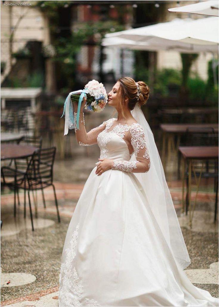 Свадебный букет с розовой розой Девида Остина и голубой гортензией