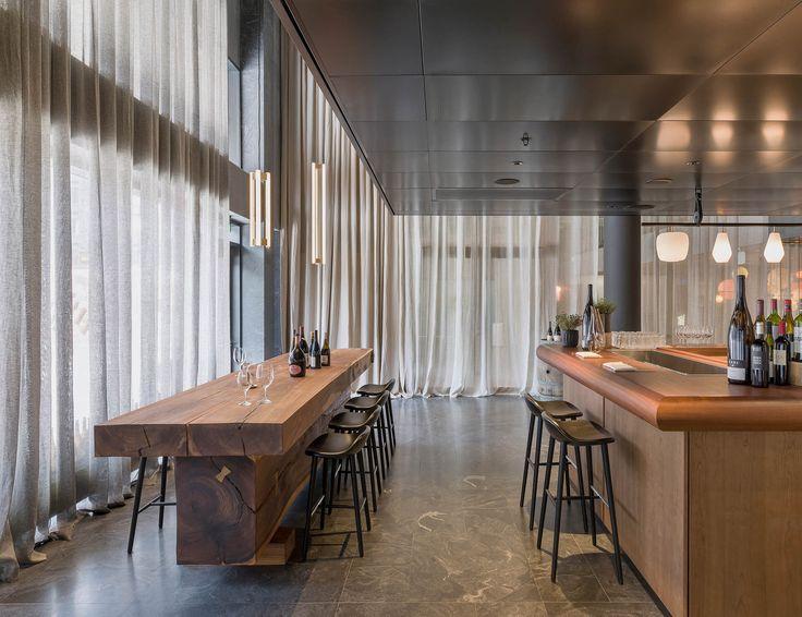 Universal Design Studio banks on art for At Six Hotel - News - Frameweb